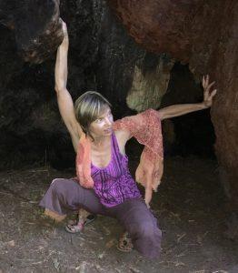 devi_tree-cave